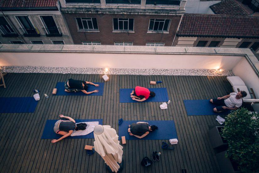 Rooftop yoga |Hotel 7 Islas Madrid